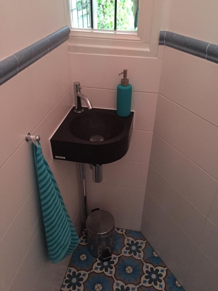 9 - toilet 2